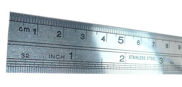 edelstahllineal 20 cm mit cm und inch einteilung 0 5 mm aufl sung speed it up inhaber hans. Black Bedroom Furniture Sets. Home Design Ideas